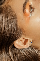 http://retouching.nikkigraziano.com/files/gimgs/th-54_3310-01E KNT_BNY EARRING.jpg